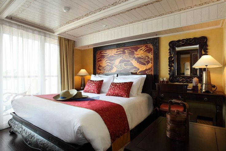 Heritage Line - Jayavarman's Bao Dai Signature Stateroom The designers took ample pains in ensuring that the Signature Staterooms have its own identity. There are two Signatures available – the Bao Dai and the Jayavarman – both sitting on the upper deck.