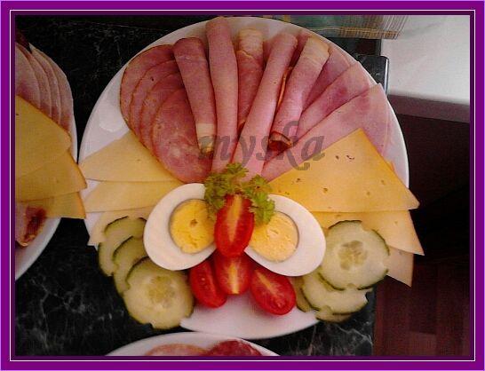 salámový talíř