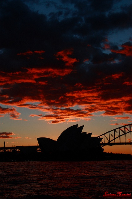 Red clouds over the Sydney Opera House, via Flickr.