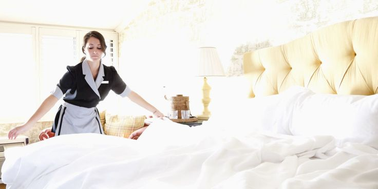 Cleaning Secrets of Hotel Maids - Professional House Cleaning Tips / Some of the rooms I've seen were definitely not cleaned like this but it's good to know.