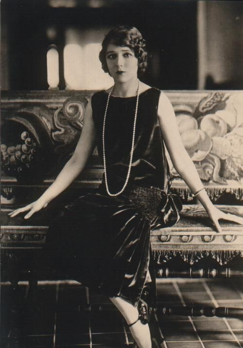 Mary Pickford 1920s .. the perfect velvet dress