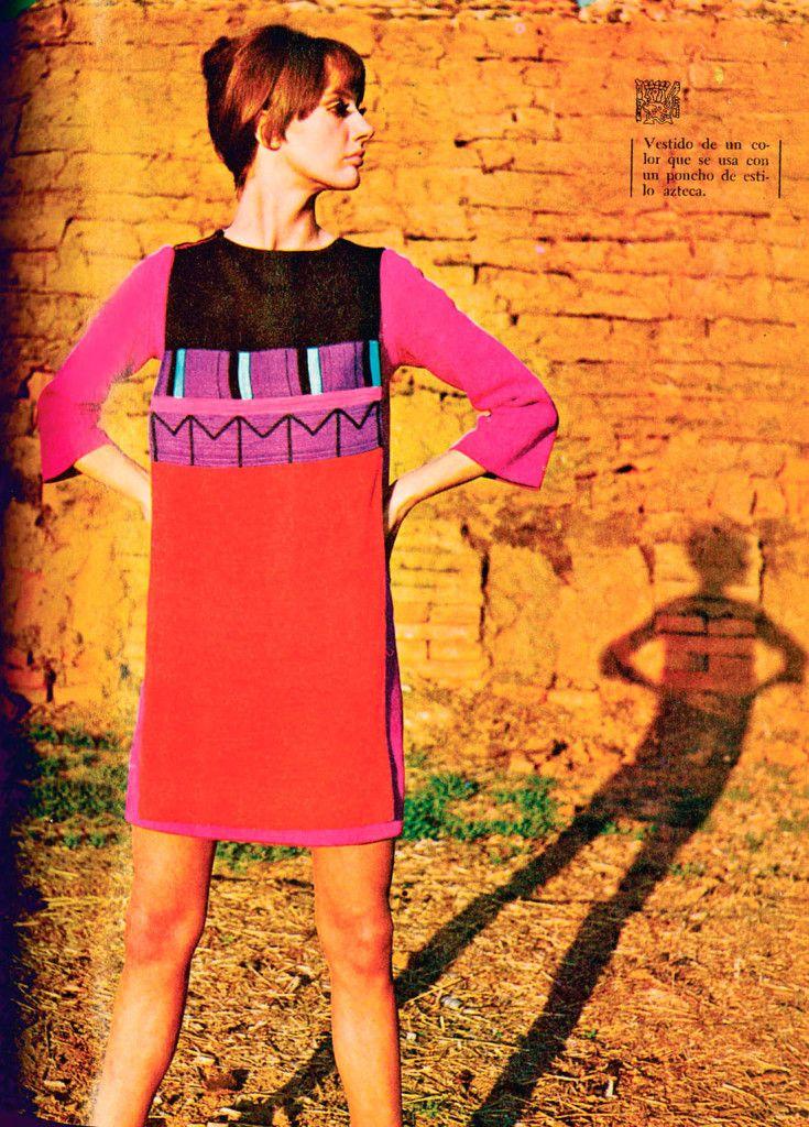 Mini vestido de Marco Correa, estilista chileno.