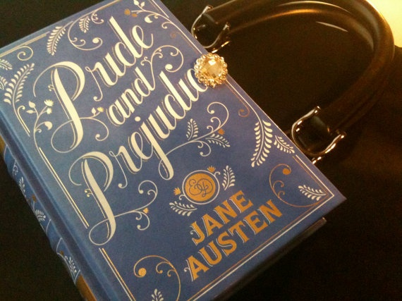 A little something to assuage the mid-February shopping urge? We think this is just the handbag to hold the three new spring-y lip glosses we were compelled to purchase last weekend.Worth Reading, Cute Pur, Book Worth, Cute Ideas, Book Purses, Jane Austen, Favorite Book, Book Covers