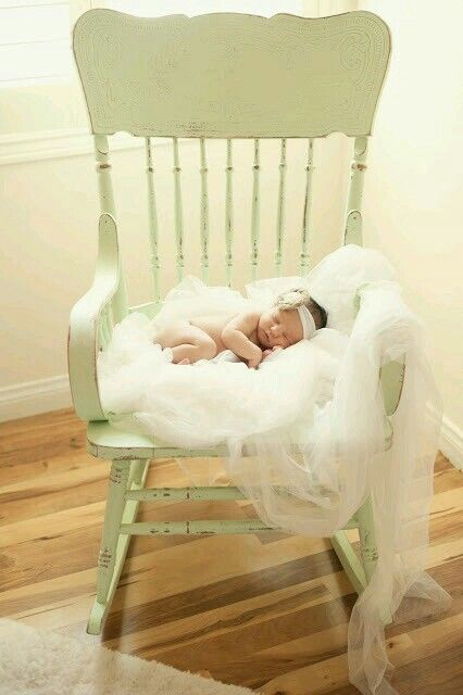 Photographer unknown but so beautiful #newbornphotography #babyphotography