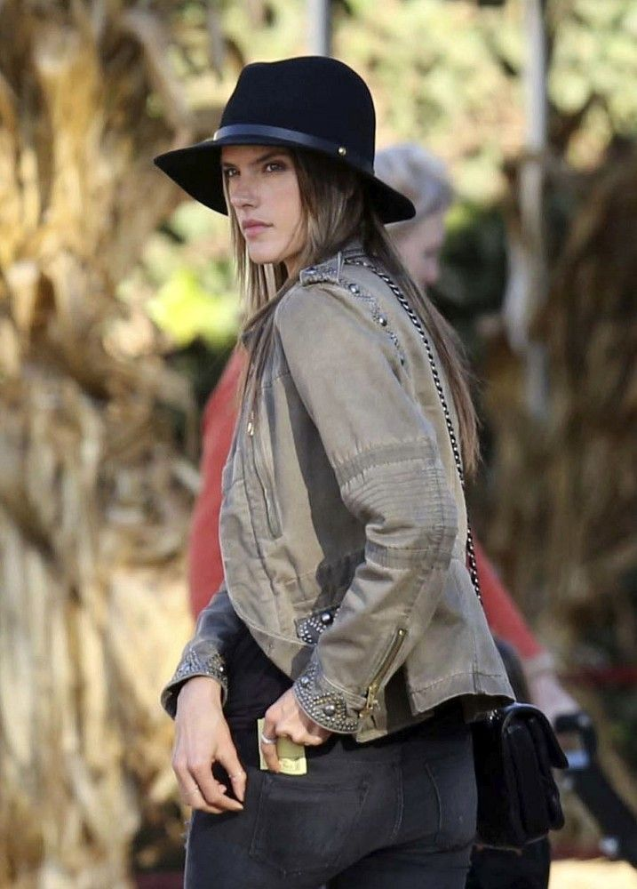 Alessandra Ambrosio Takes Her Kids to the Pumpkin Patch