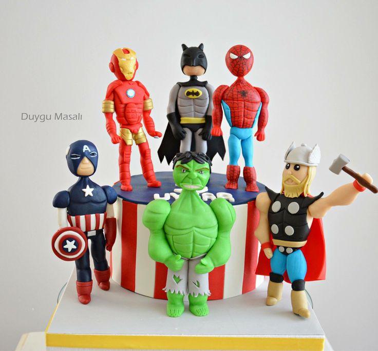 ''Biz bir takım değiliz , pimi çekilmiş bir bombayız!'' Uygar artık 3 yaşında! Ayrıca, tüm öğrencilere ve öğretmenlerimize yeni eğitim öğretim yılında başarılar diliyorum :) duygumasali.com #😋 #yummy #yum #avengers #captainamerica #hulk #thor #spiderman #batman #ironman #edirne #edirnepasta #edirnebutikpasta #butikpasta #cake #avengerscake #food #foodpics #amazing #superhero #dessert #kids #like #pasta #dogumgunupastasi
