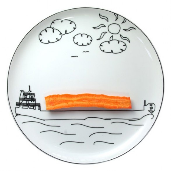 Cool plate!!   Can be a nice idea for kid's food!