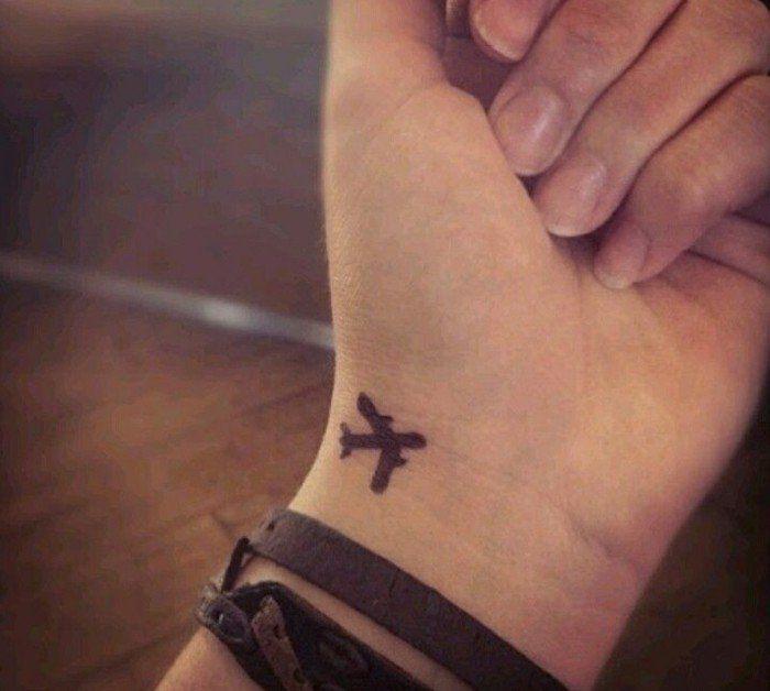 Petit tatouage poignet femme tatouage homme poignet avion