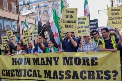 Правозащитники указали на фальсификацию свидетельств химатаки в Сирии       Шведская организация «Врачи за права человека» (SWEDHR) обвинила организацию «Белые каски» в фальсификации свидетельств химической атаки, которая якобы была проведена правительством Башара Асада в Сирии. По мнению экспертов, главный мотив — создание предлога для введения бесполетной зоны.