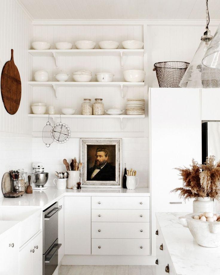Smal kitchen : Size Does Matter kitchen kitchen layout. kitchen design. Modern Kitchen.