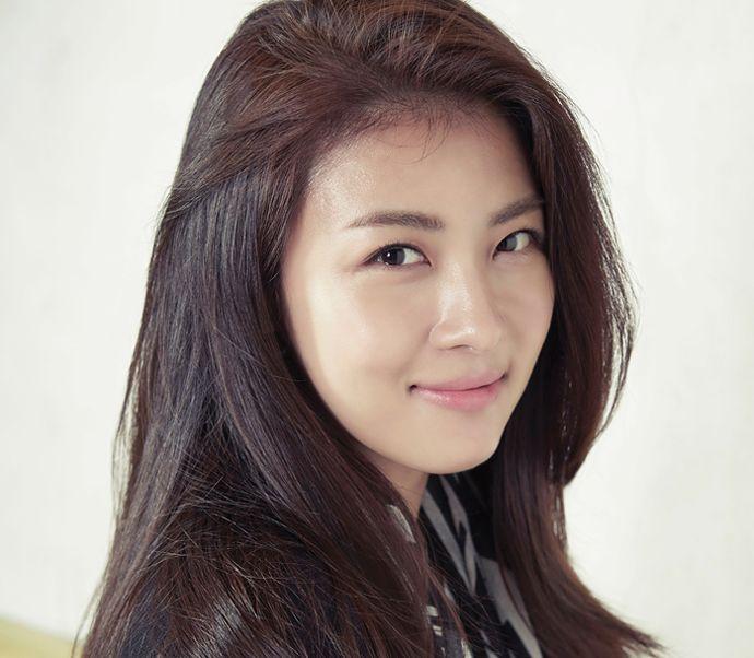 Crocodile Ladies Fall 2014 Visuals Feat. Ha Ji Won | Couch Kimchi