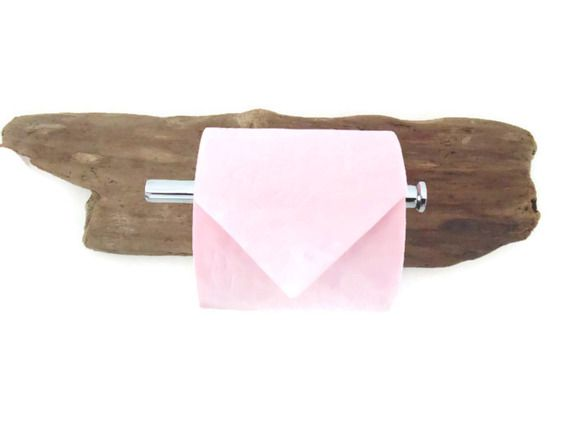 Les 25 meilleures id es de la cat gorie cadeaux faits main - Derouleur papier toilette bois ...