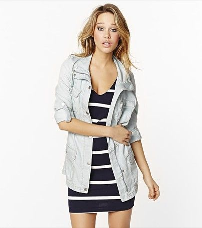 This gorgeous bleach wash parka is perfect for transitioning into spring!