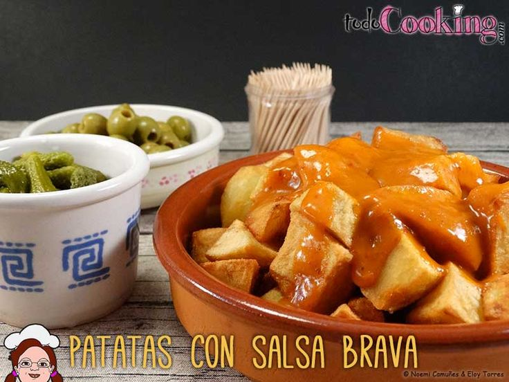 Las patatas bravas son una de las tapas españolas más clásicas, que puedes tomar con o sin mayonesa.Prepáralas en casa fácilmente con esta receta.