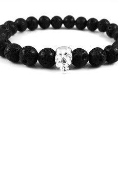 Dizarro to męska biżuteria najwyższej jakości produkowana z kamieni półszlachetnych, srebra, złota oraz kryształów Swarovski™.  Bransoletka wykonana z czarnej lawy wulkanicznej oraz czaszki ze srebra wysokiej próby 925.Szczegóły:- czaszka ze srebra 925- bransoletka wkładana na elastycznej gumce- średnica kulek: 8 mm- bransoletka zapakowana w eleganckie, czarne pudełko