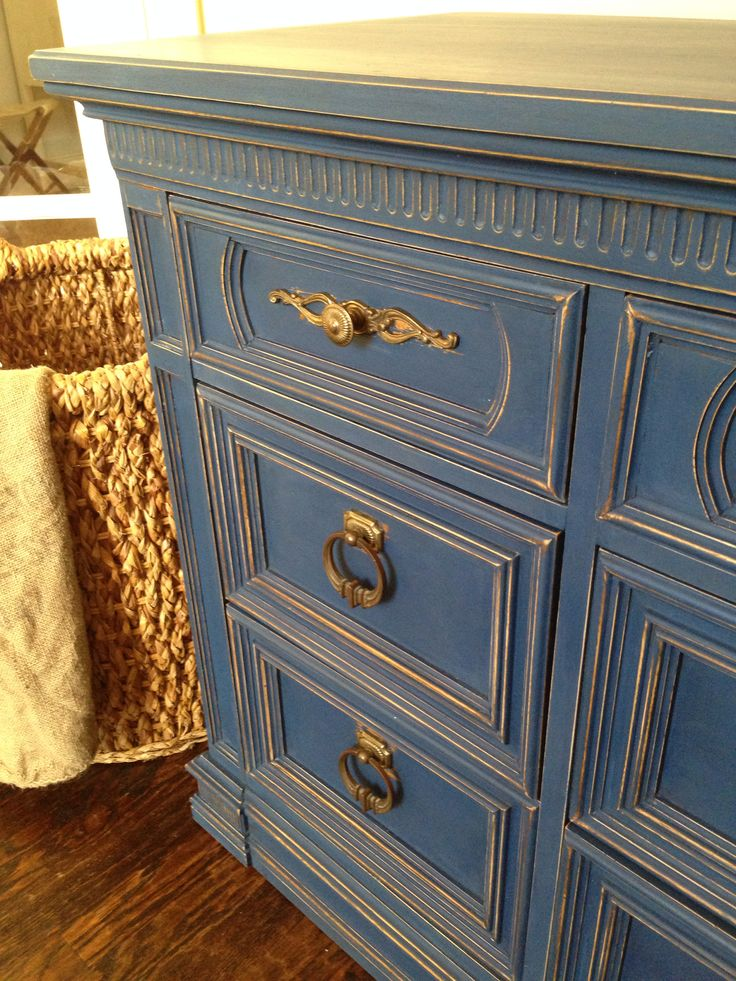 Annie Sloan's Napoleonic blue. My favorite! I distressed all the edges to make the details pop!