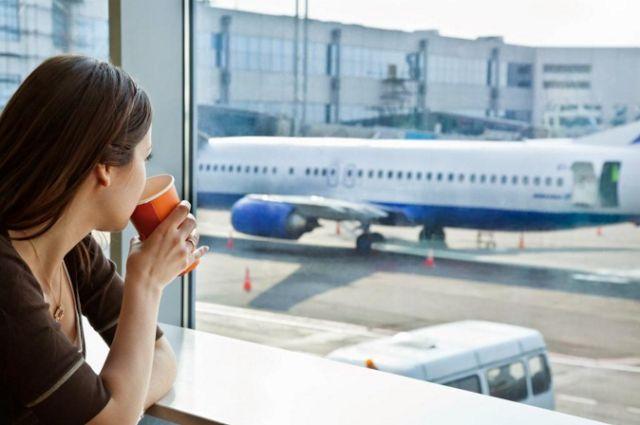 Menempuh perjalanan jauh dengan pesawat merupakan idaman banyak orang, terutama mereka yang gemar traveling mengunjungi tempat-tempat in...