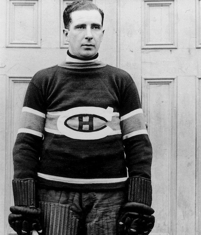 Sprague Cleghorn : Le talent et la ruse ont été les faits d'armes de Sprague Cleghorn, dont le règne de terreur au hockey professionnel a duré 20 ans. Originaire de Montréal, le défenseur de 190 livres faisait partie des joueurs les plus redoutables de son époque, un des premiers joueurs qui figurait à la fois au premier rang des marqueurs de son équipe et des joueurs les plus pénalisés.