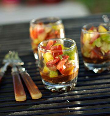 Tartare de trois tomates sur gelée de tapenade - les meilleures recettes de cuisine d'Ôdélices
