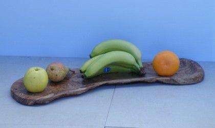 Un vassoio per uso alimentare. Tutti i prodotti per uso alimentare sono in legno naturale, privi di vernici o composti chimici.