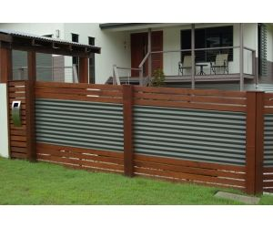 iLandscape :: Products :: Colour Bond Fencing with Merbau Timber