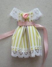 how to: little girl doll dress (also tutorials for silverware and baskets - Russian site, use google chrome to translate)