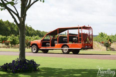 voyager-estate-margaret-river-tour-bus