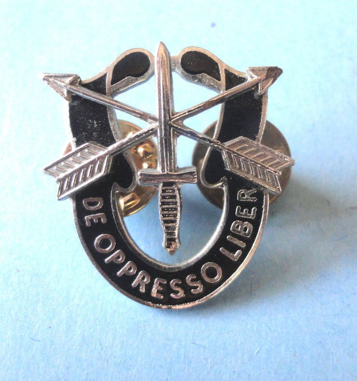 U.S. Army Special Forces De Oppresso Liber Crest Hat Pin US Army Green Berets