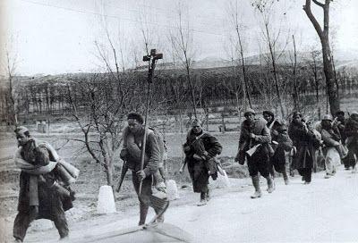Carlistas durante la batalla del Ebro - Las historias de Doncel: Falangistas y carlistas. Civiles armados en la guerra civil (Parte I)