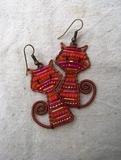 szallerandi gyöngy és drót ékszerek: Wire Jewelry, Wire Earrings, Diy Art, Wire Cat Earrings, Crafts Jewelry, Art Jewelry, Wire Art, Wirework Jewelry, Earrings Crafts