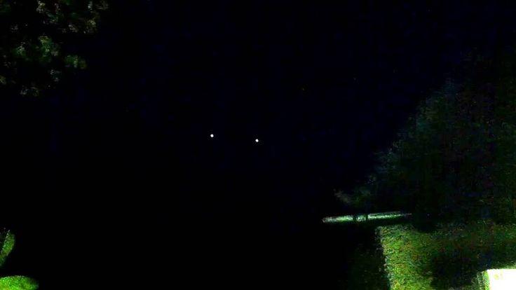 свидетель снял пролёт  ДВУХ СФЕРИЧЕСКИХ НЛО в  Livermore (CA-Хилл, АНГЛИЯ