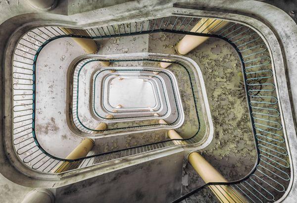 #Escaleras abandonadas // #diseños #arquitectura