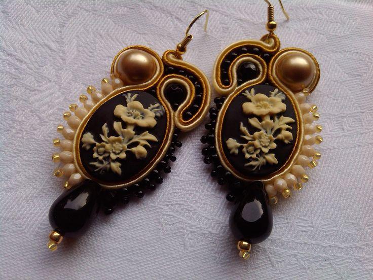 "EARRINGS ""CAMEO FLOWER"",cameo flower,stylish earrings,Swarovski elements,black/golden/milk,light green/bronze,made in Italy,handmade jewelry di MuciddosBeads su Etsy"