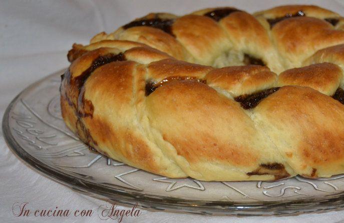 Treccia di pan brioche alla nutella | In cucina con Angela