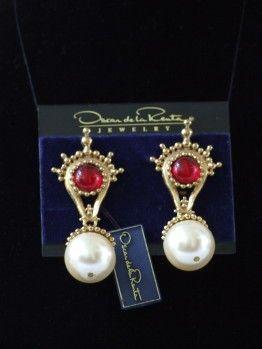 Vintage 80's NOS Oscar de la Renta oorclips rood parel hanger - Gone But Not Forgotten