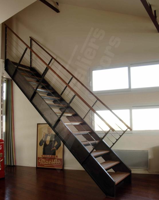 1000 id es sur le th me rampe escalier inox sur pinterest peindre un escali - Escalier droit metal ...