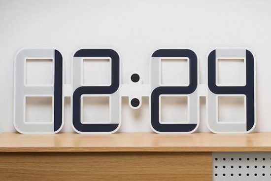 The City Clock – This pretty wooden house is a binary clock! | Ufunk.net