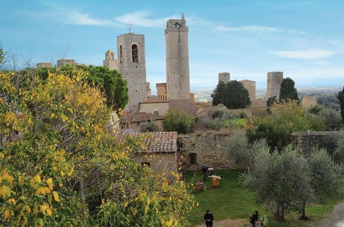 [San Gimignano] If ever a place could be called the epitome of Tuscany, it's San Gimignano, 'the princess with towers.' This medieval city is an enchanting vision of cobblestone walks, narrow passageways, gastronomia and, of course, towers that have been frozen in time. #tuscany #italy #travel #europeantravel