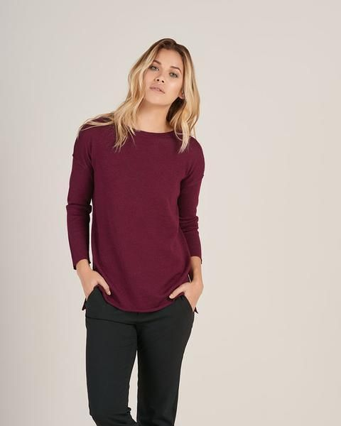 Maroon slouchy sweater from HOPE Made In The World // Cozy Up In These 12 Sustainable Sweaters For Fall & Winter 2017