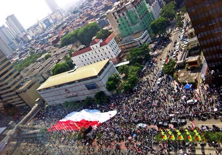 Giant flag in the center of Jakarta after the President inaguration