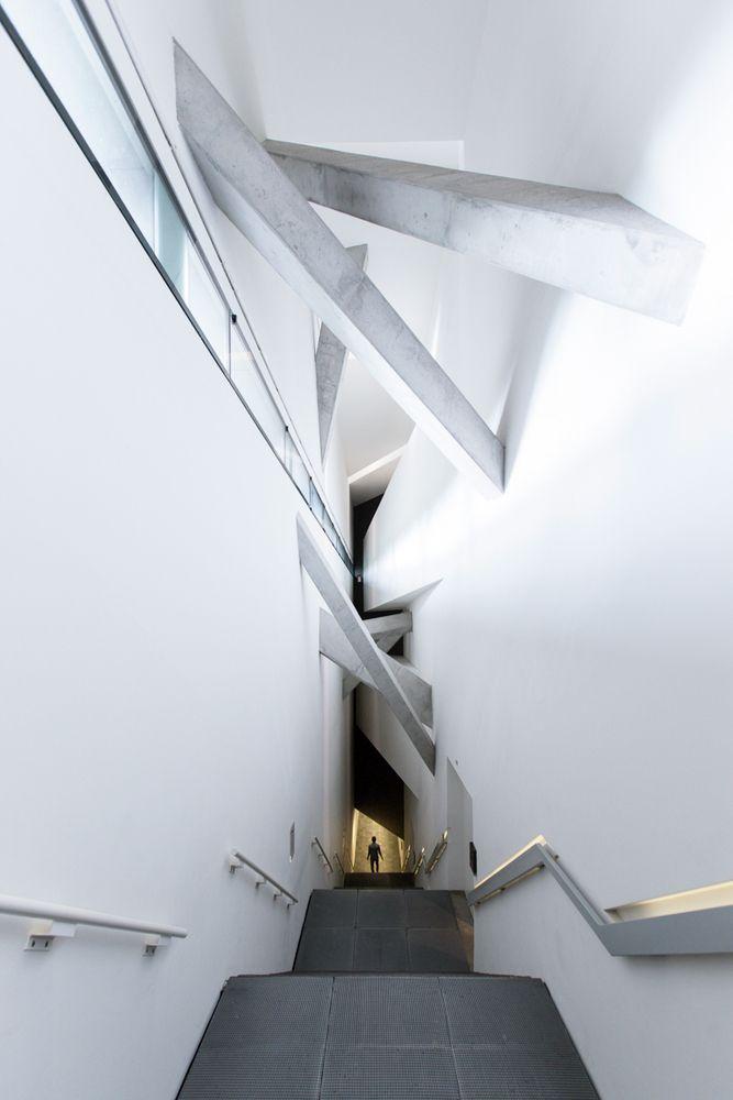 Museu Judaico em Berlim, de Daniel Libeskind, fotografado por Laurian Ghinitoiu,Museu Judaico em Berlim / Daniel Libeskind. Imagem © Laurian Ghinitoiu