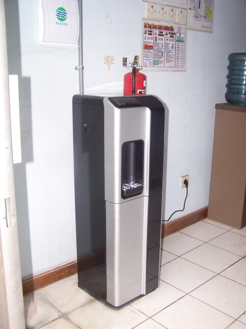 Residential, office niagara drinking machine