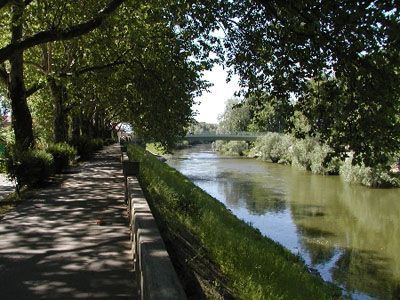 Promenade along the Small Danube in Esztergom.