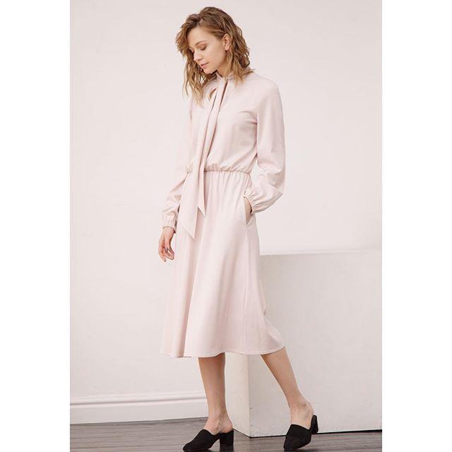 Пудовое платье от Jana Segetti #janasegetti #fashion #dress #style #russiandesigner #look