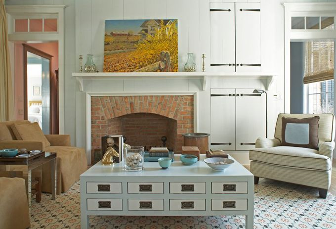 House of Turquoise: Historical Concepts + Steven Gambrel - Part One, window above door and cabinets