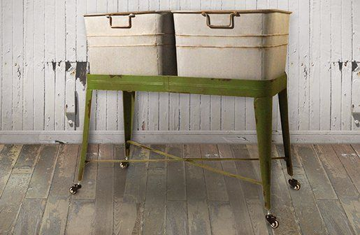 Be still my heart...Is this not soo adorable!! Double Laundry Wash Tub | Vintage Wash Tub | Galvanized Wash Tub