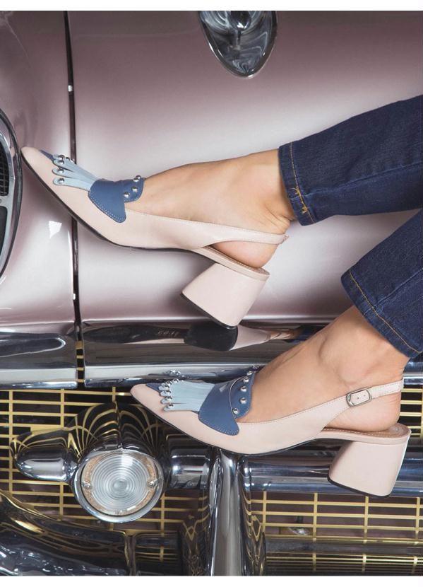 Sapato Scarpin Cesaretti em couro nude   – Products