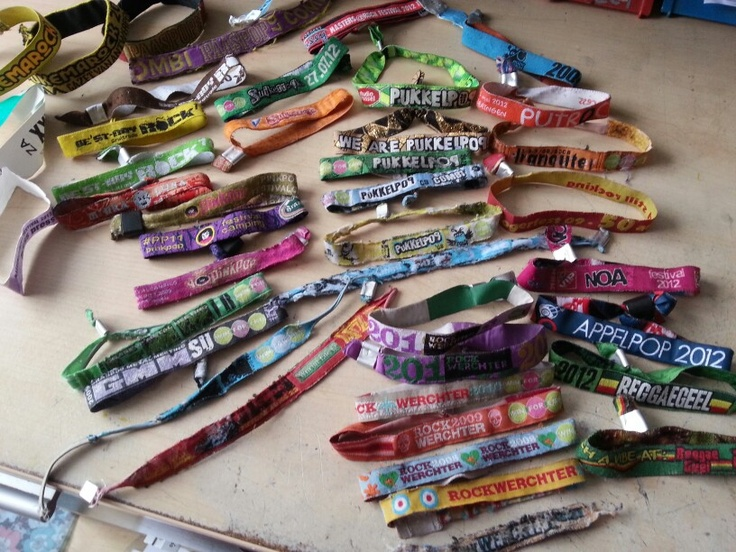deel bandjes 2005-2012..ready for more #pukkelpop #rockwerchter #graspop #pinkpop #reggaegeel #putrock #rockzottegem #suikerrock en zoveeel meer #festivalbandjes #festival #belgium
