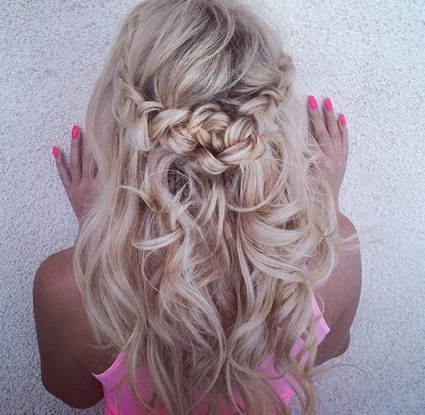 Swooning again and again over @queenpee gorgeous hair styled by the talented @pelos_de_eloteee