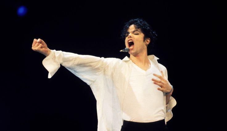 În anul în care familia comemorează opt ani de la plecarea în neființă a lui Michael, frații săi au decis să meargă mai departe, motiv pentru care au plecat într-un turneu aniversar Jackson 5.